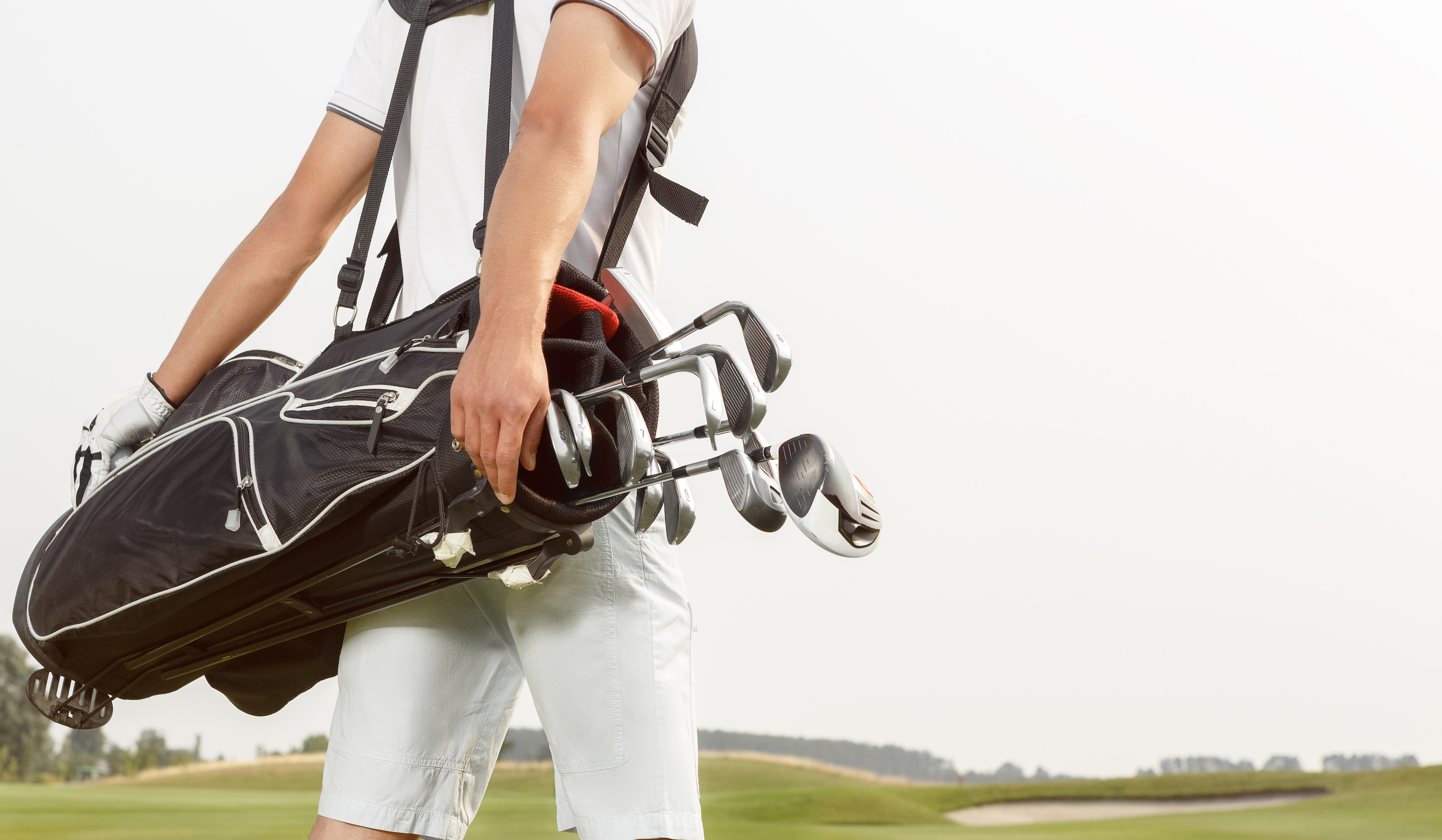 Golf Bag which essential accessories go.